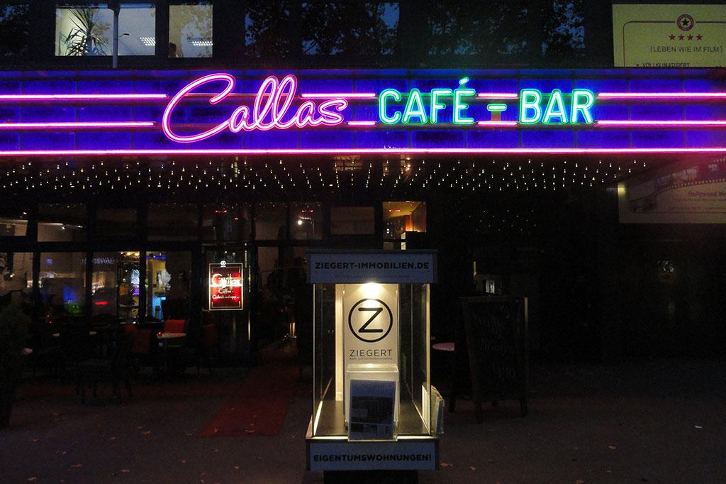 Altay Werbung Aussenwerbung Neon Callas Ku Damm Nacht