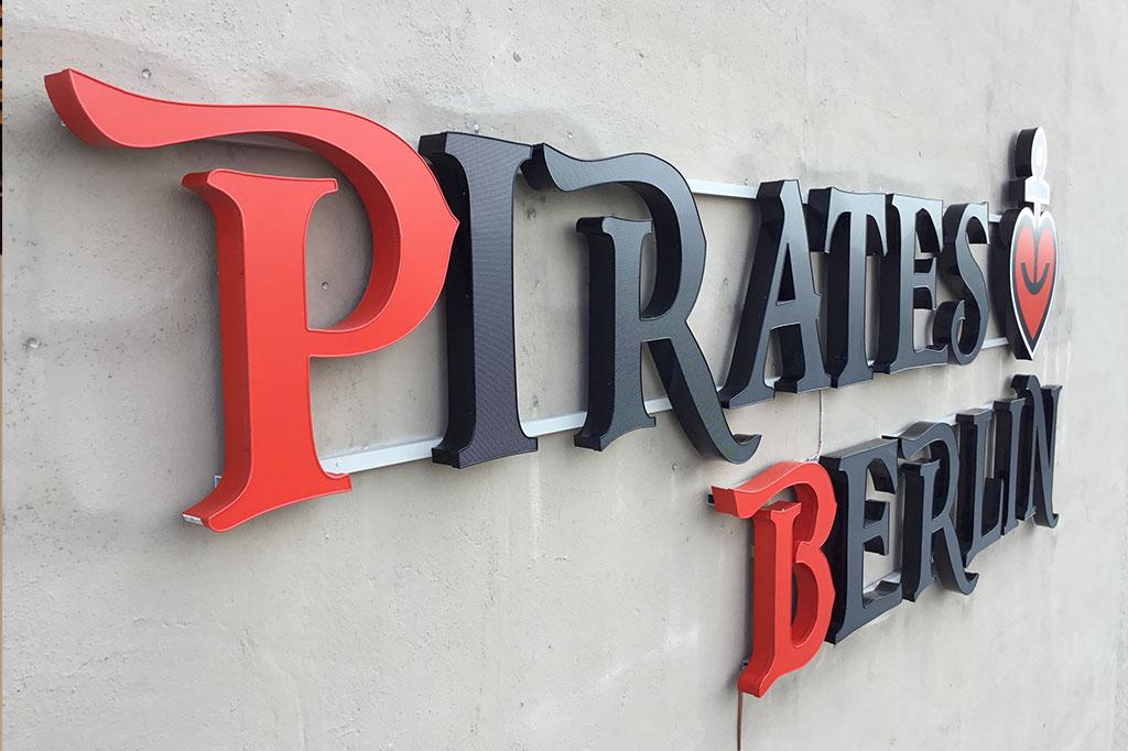 altay-werbung-Pirates