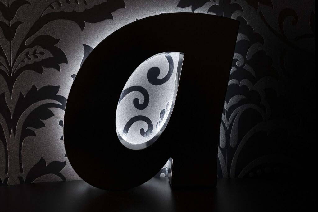 Altay Werbung_LED-Leuchtbuchstaben_Profil 03_beleuchtet