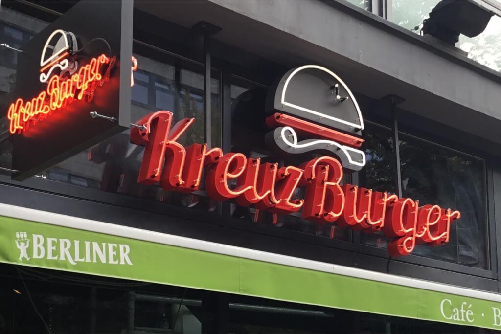 Altay Werbung_Leuchtbuchstaben_Profil 01+Neon_Kreuzburger